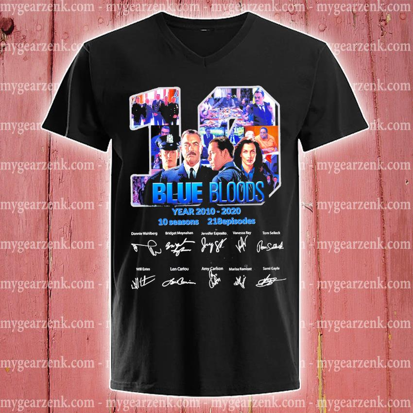 19 Blue Bloods years 2010 2020 10 seasons 218 episodes signature s v-neck-tee